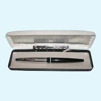1960's Classic Parker 45 Arrow Fountain Pen Original Case 14K Nib