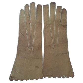 Tan, Doll-sized Leather Gloves