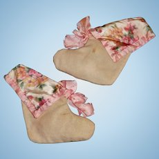 Nice Pair of Early Baby Doll Booties