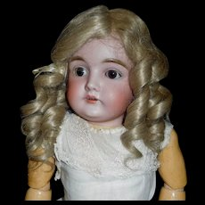 Pretty Blond Finger Curled Doll Wig, 12