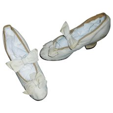 Pair of Antique White Kid Leather Girl Heeled Shoes