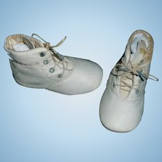 Nice Pair of antique White Leather Doll / Baby Shoes