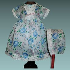 Nice Vintage Doll Dress w Bonnet