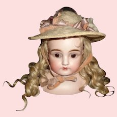 White Brushed Wool Fashion / Small Doll Hat