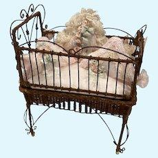 Victorian wicker antique style Bassinet Crib IGMA Tillie Memmer