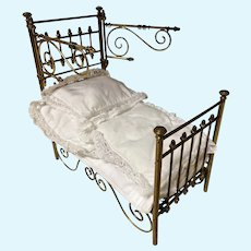 Antique MÄRKLIN large scale Half Tester small Doll Bed