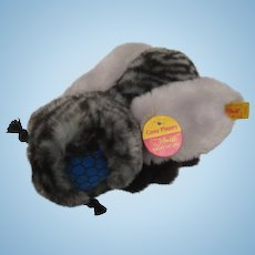 Steiff's Wacky and Fabulous Cosy Flappy Fly With All IDs