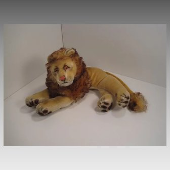 Steiff's Smallest Lying Leo Lion