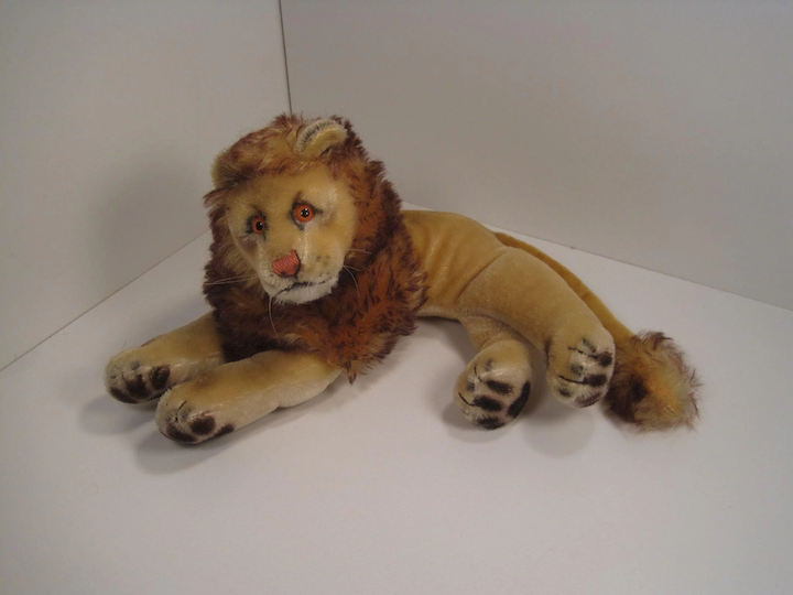 Steiff's Smallest Lying Leo Lion