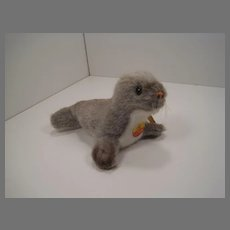 Steiff Soft Plush Olly Seal With All IDs
