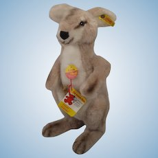 Steiff Soft Plush Linda Kangaroo With All IDs