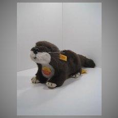 Steiff Soft Plush Putzi Otter With All IDs