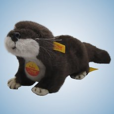Steiff Soft Plush Putzi Otter With All IDs