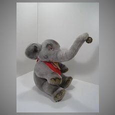 Steiff Sitting Mohair Jumbo Elephant With All IDs
