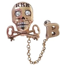 Tri Kappa Fraternity 10K Gold Skull Pin with Guard