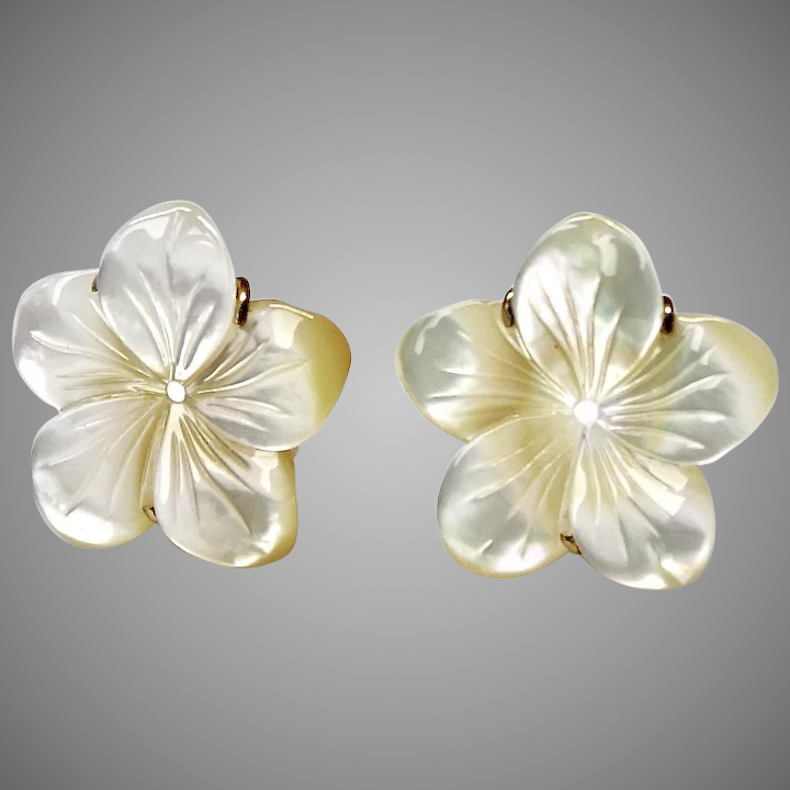 Creamy White Mother Of Pearl Flower On Earrings