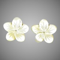 Creamy Mother of Pearl Flower Button Earrings