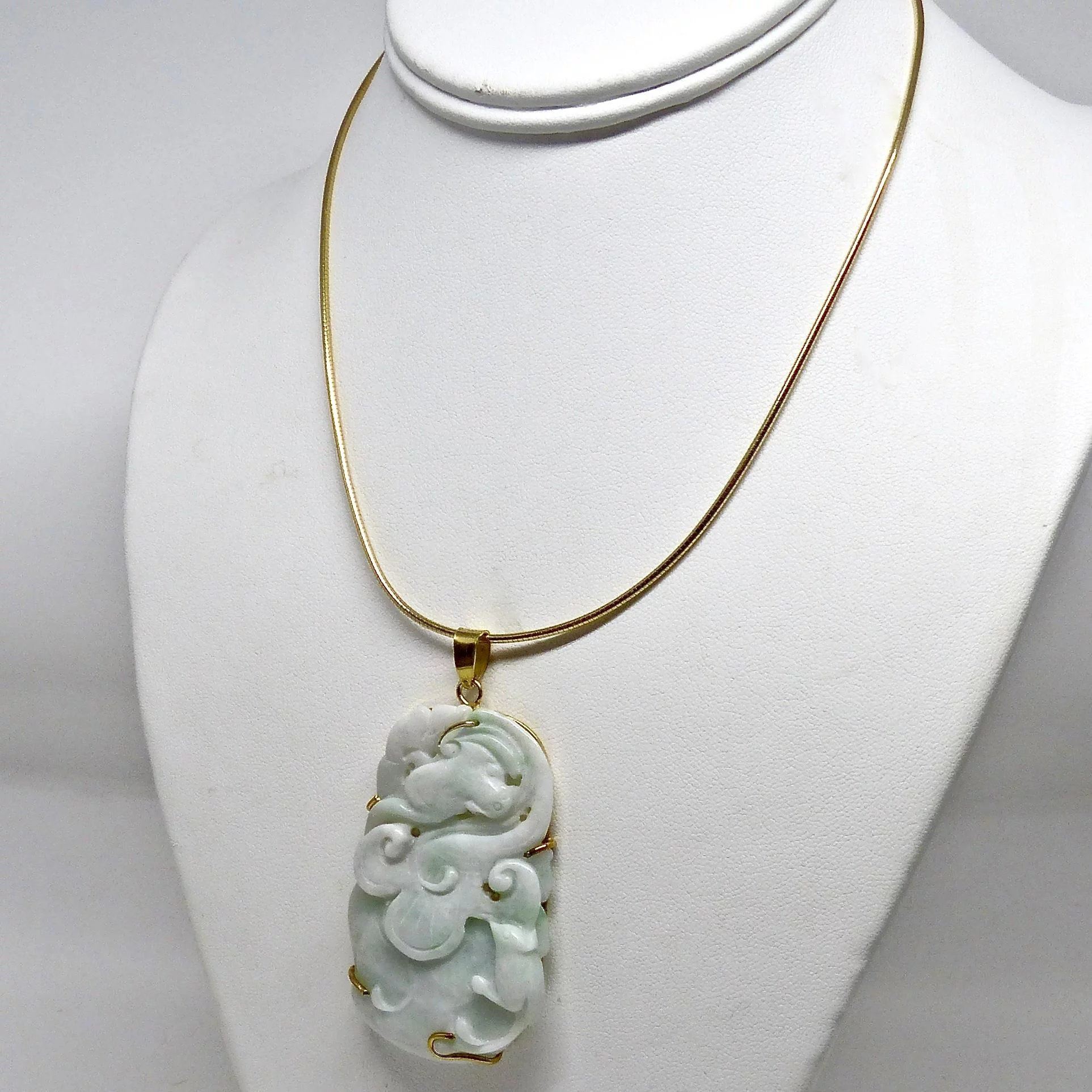 pin carved antique deco jade necklace gold solid pendant yellow art