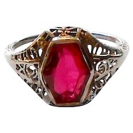 14K White Gold Imitation Ruby Art Deco Filigree Ring c. 1920