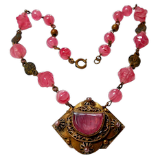 Czechoslovakian Pink Art Glass Necklace circa 1920