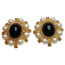 Signed Ciner Byzantine Style Imitation Pearl & Onyx Clip Earrings c. 80