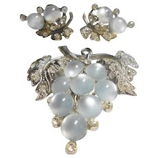 Unsigned Pot Metal & Moonglow Lucite Grapes Brooch & Earring Set c. 1940