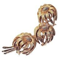 HATTIE CARNEGIE - Three-Flower Gold-Tone Brooch