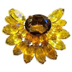 KRAMER Fur Clip/Brooch in Citron Gold to Brown shades of Topaz Rhinestones set in Gold Tone Metal