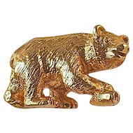 GOLD BEAR TIE TACK - 10 KYG Alaskan Bear Holds a Salmon in his Paw
