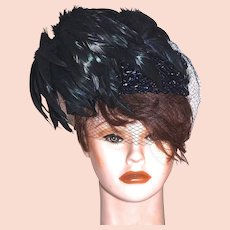 SCHIAPARELLI  Paris - Flirty Coque Feather Cocktail Hat Fascinator  - Black Feathers