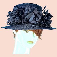 SCHIAPARELLI  Paris - Cabbage Roses on Navy Straw Picture Hat with Original Hot Pink Hatbox
