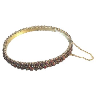 Graduated Antique Garnet Bangle Bracelet
