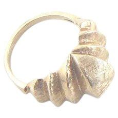 14K Gold Florentine Stepped Ring