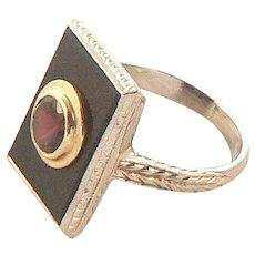 Art Deco 18K Gold Onyx and Garnet Ring