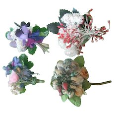 4 Small bouquets of old flowers