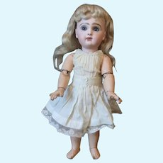 Rare doll jumeau incassable