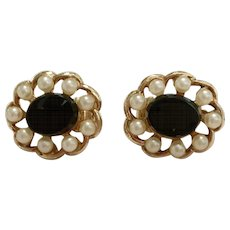 Vintage Gold Tone Earrings with Black Stone Surrounded by Faux Pearls – Clip-back