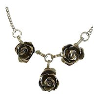 Beautiful Vintage Silver Tone Rose Necklace