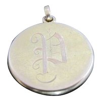 "Vintage 14k Yellow Gold Locket Pendant with ""P"" Monogram"