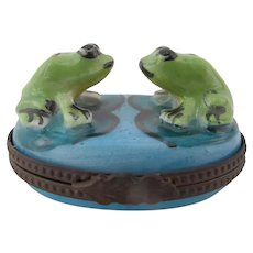 LIMOGES France Peint Main Eximious Hand Painted FROG Couple Hinged Trinket Box
