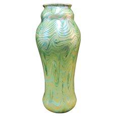 Very Fine KING TUT Swirling Pattern IRIDESCENT Gold Green Tall Art Glass Vase