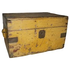 AAFA Primitive Dovetailed Document Box in Yellow Paint