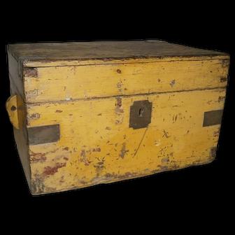 AAFA Primitive Dovetailed Document Box in Yellow Paint