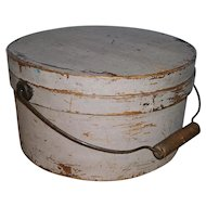 AAFA Primitive Wood Pantry Box with Bail Handle in Putty Paint