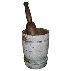 AAFA Primitive Wood Mortar and Pestle in Oyster White Paint