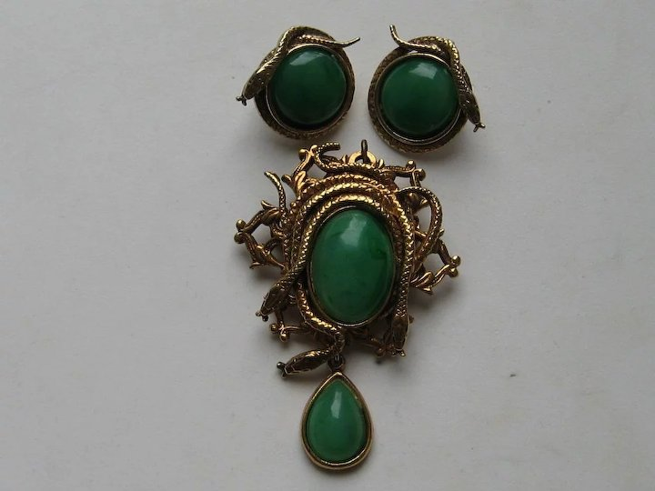 53a1d4a9e Vintage Victorian Revival Snakes Faux Green Jade Pin Pendant Clip Earrings  Brooch Figural