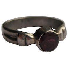 Vintage Garnet Sterling Silver 925 Ring Size 5.5 1960's Pigeon Blood Red