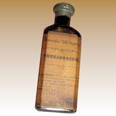 """Antique Specific Medicine """"Chelidonium"""" Bottle with Excellent Label, Contents and Zink Seal, Made by Lloyd Brothers Mfrs., Near Mint"""