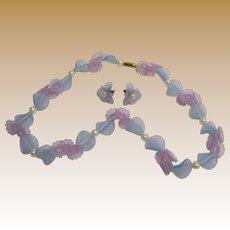 Pretty Hard Plastic Flower & Faux Pearl Necklace & Earring Set