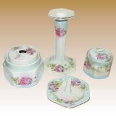 Pretty Art Deco Dresser Vanity Set